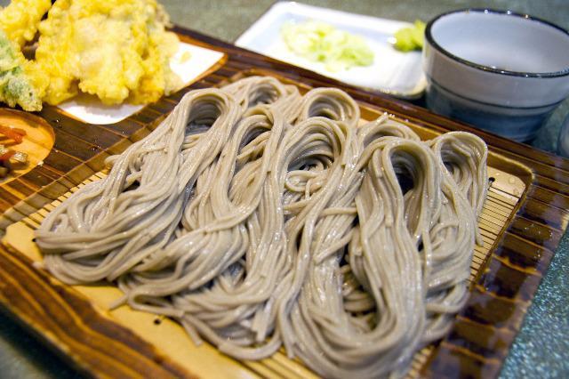 """日本人に愛されているお蕎麦。今が一番おいしい秋の""""新そば""""の時期です。"""
